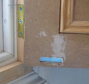 Victorian window shutter with neodymium magnet