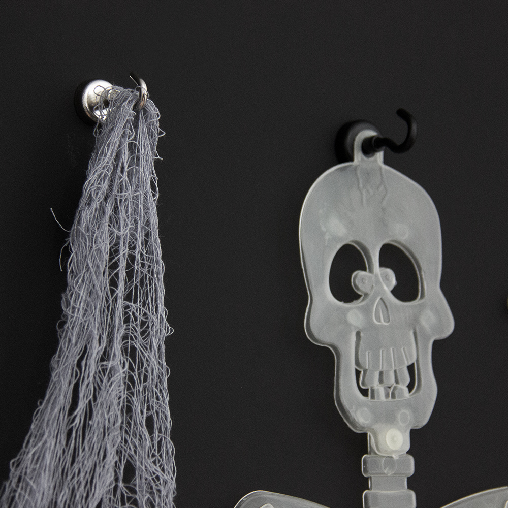 Using Magnets In Your Halloween Display